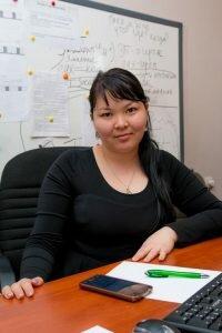 Сандугаш Токыбетова - редактор службы новостей, ведущая телепередач