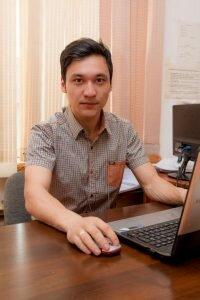 Али Аманов - журналист службы новостей