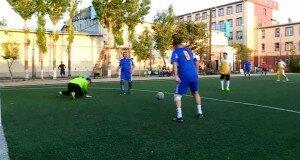 Депутаты и чиновники сошлись на футбольном поле в Шымкенте