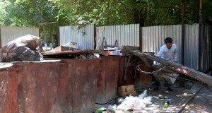 Жители 8 микрорайона в Шымкенте ленятся выбрасывать мусор