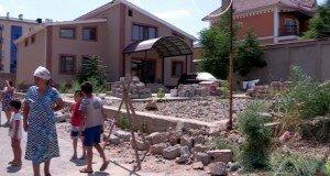 Стройка на детской площадке возмутиа шымкентцев