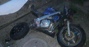 В Шымкенте мотоциклист столкнулся с  такси. Байкер в коме