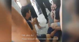 парня избили полицейские