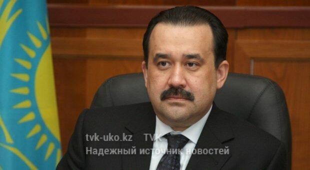 Назарбаев лично представил сотрудникам КНБ нового руководителя